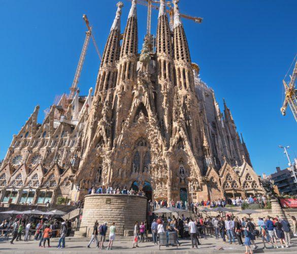 Barcelona suspende las licencias a habitaciones turísticas