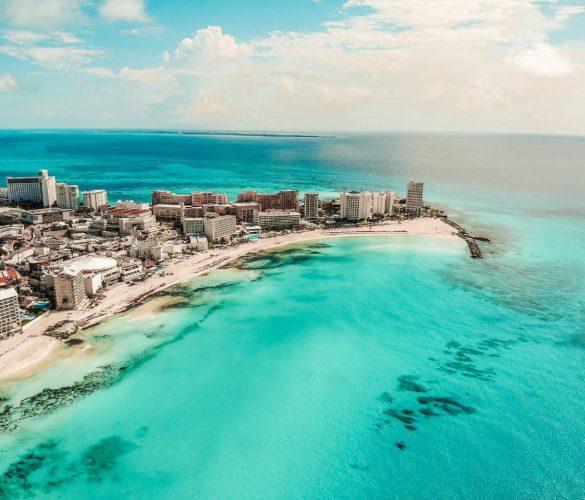 Regresan a hoteles los turistas en Cancun