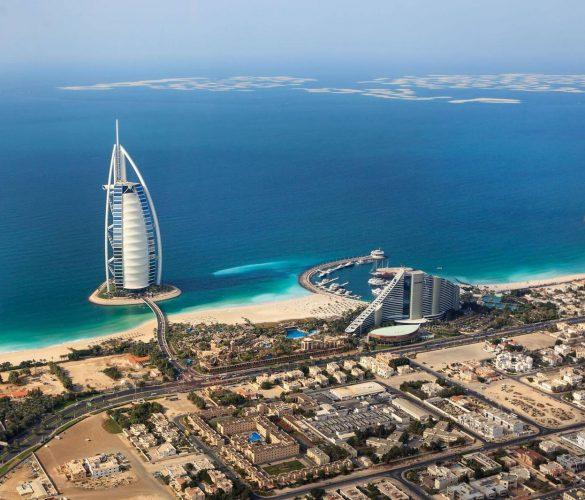 Dubai comienza a vacunar a los trabajadores del sector turístico
