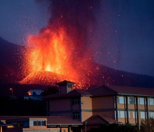 Cómo está afectando el volcán de La Palma a la aviación comercial